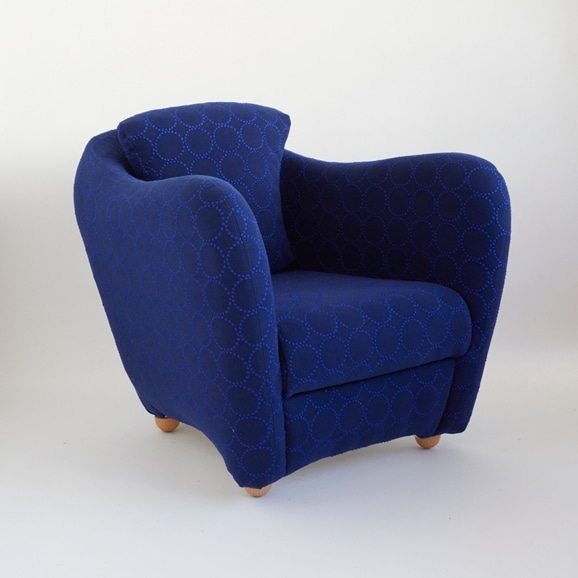 【写真】MINI MILLER ARM CHAIR × mina perhonen