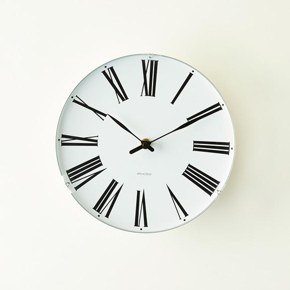 【写真】Arne Jacobsen 掛け時計 ROMAN φ210