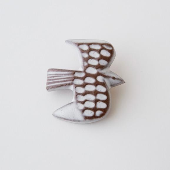 【写真】BIRDS' WORDS バーズタイルブローチ