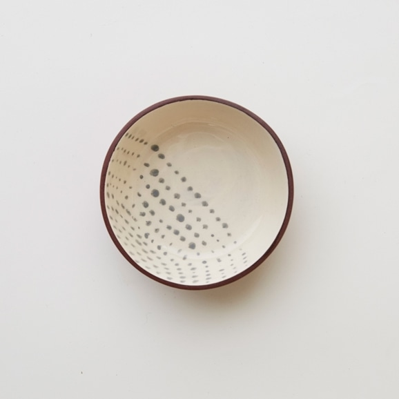 【写真】TINY TERRACOTTA BOWL-HALF