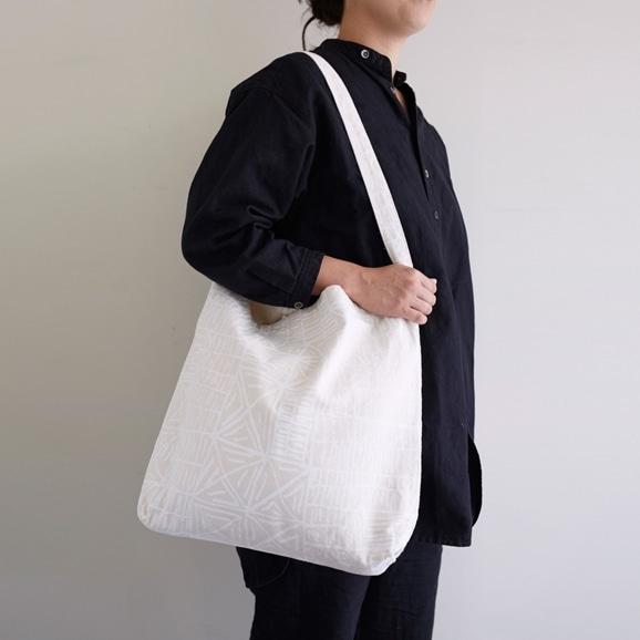 【写真】POOLとしょうぶ学園 タテヨコ バッグ