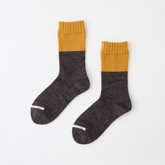 【写真】POOL TONE SOCKS ゴールド M