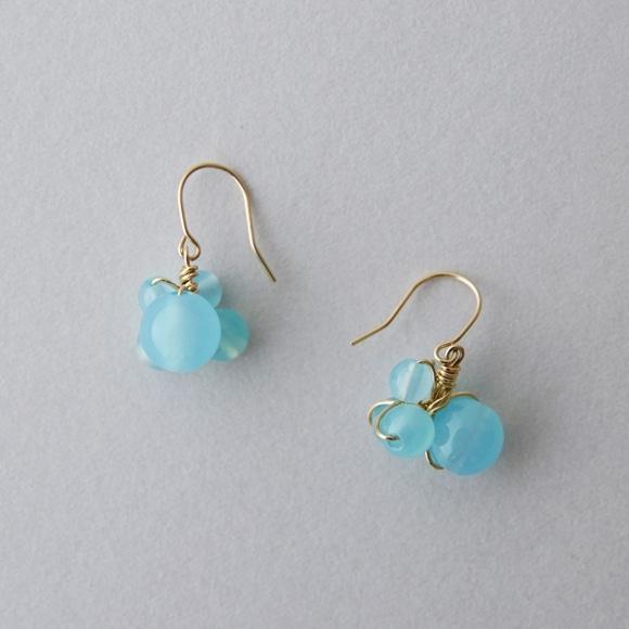 【写真】【IDEE 別注】asumi bijoux asatsuyu mini pierce blue chalcedony