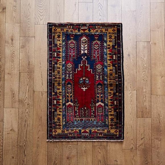 【写真】【一点物】トルコ絨毯 130×79 【1105】