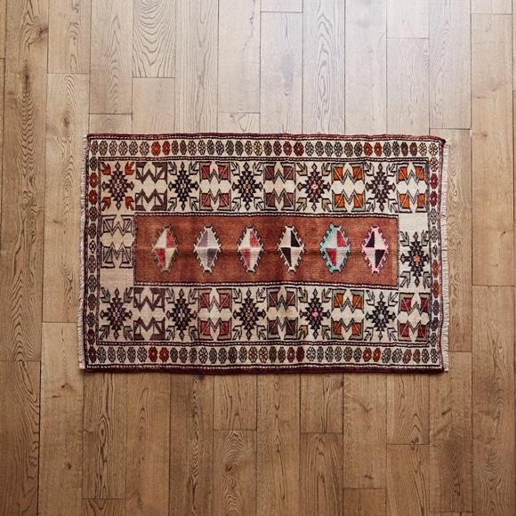 【写真】【一点物】トルコ絨毯 124×91 【1141】