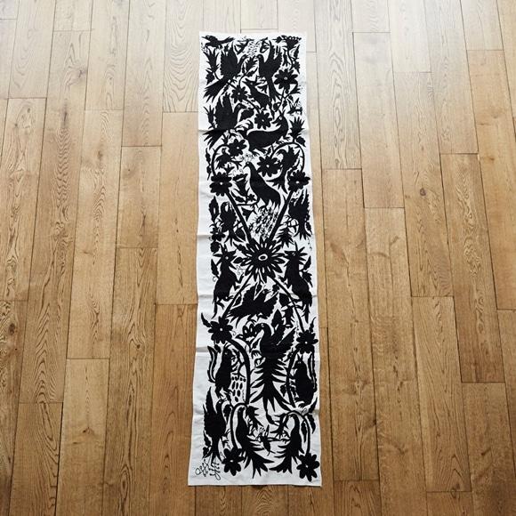 【写真】【一点物】オトミ刺繍 タペストリー M 53